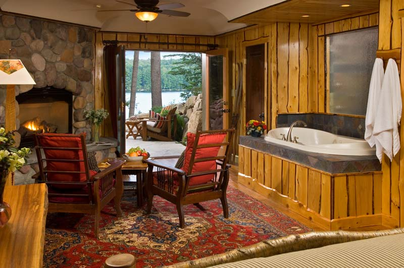 adirondack lodge with jacuzzi