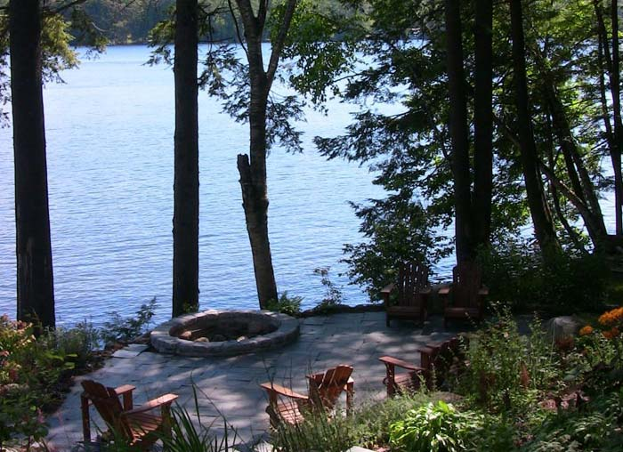 lakeside lodge in the adirondack mountains