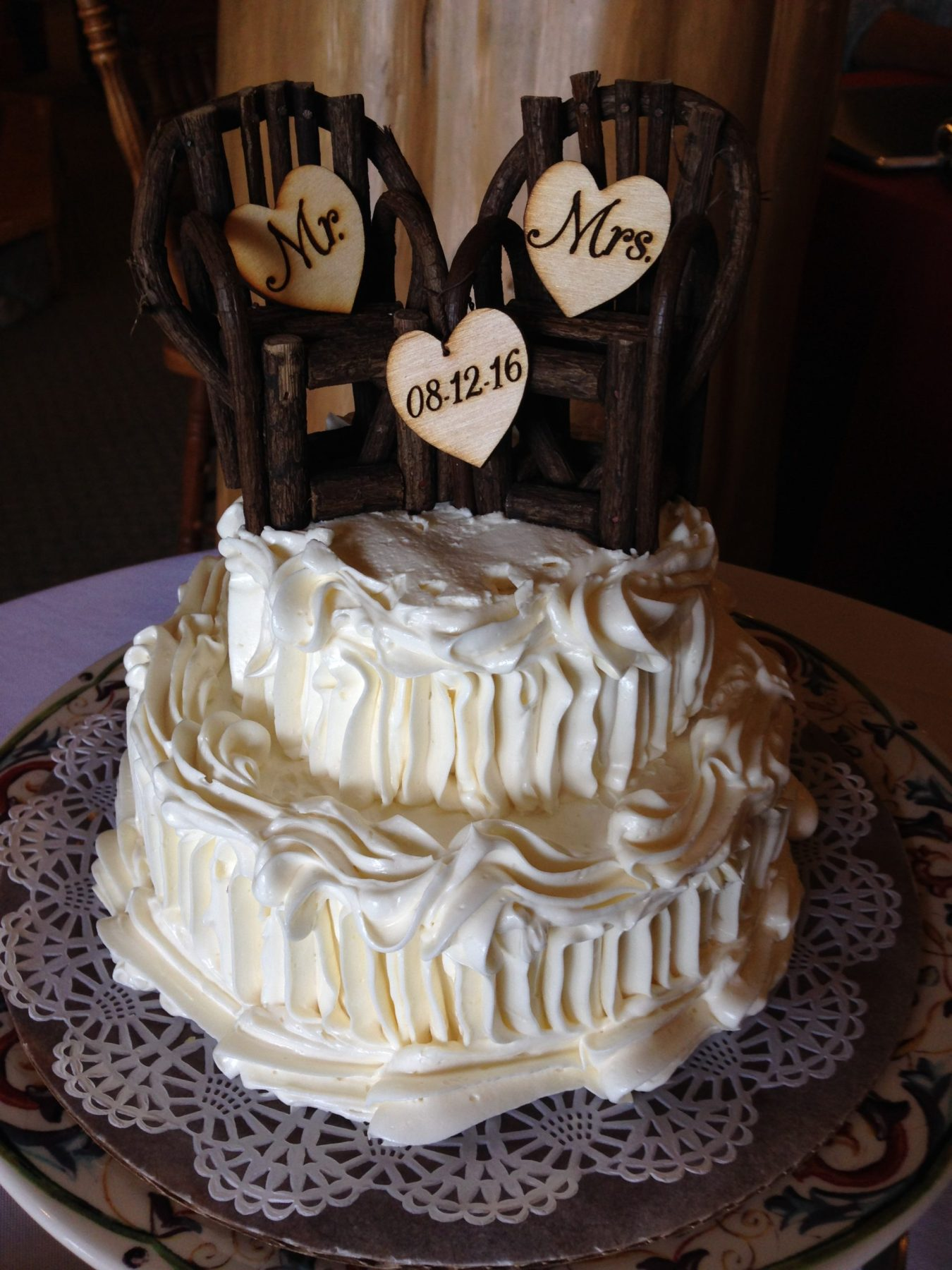 Adirondack themed wedding cake